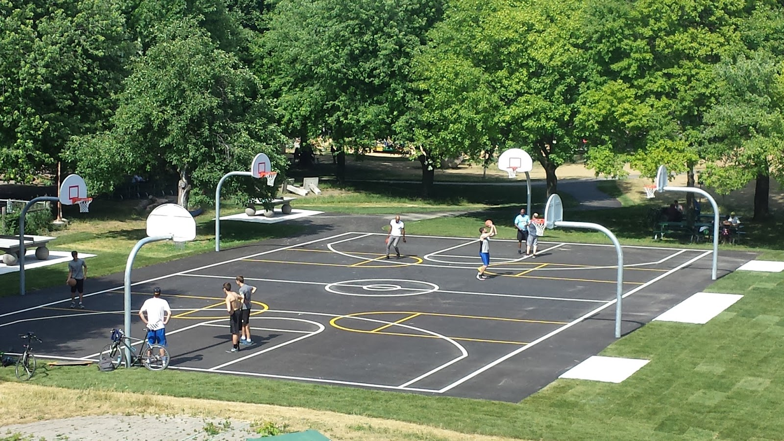 Toronto things: Best outdoor basketball courts in Toronto