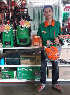 Hitachi Garden Leaf Blower Buriram Isaan Thailand