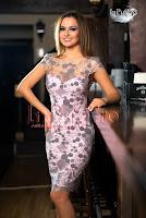 Rochie midi roz cu broderie gri