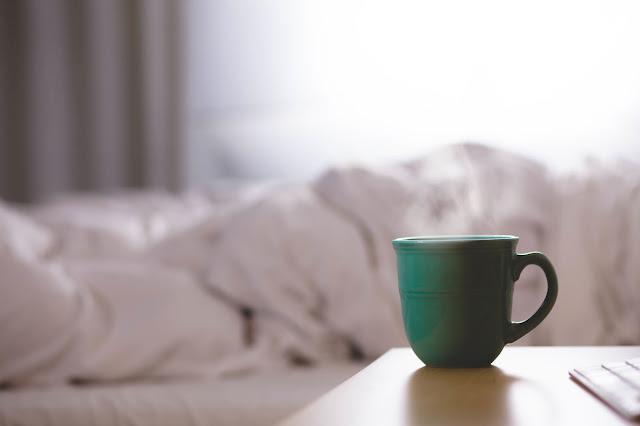 10 pomysłów na łatwy poranek. Jak poradzić sobie ze wstawaniem do pracy. Sposoby na przesilenie wiosenne.