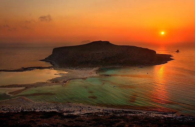 Pôr-do-sol na praia de Balos, Creta