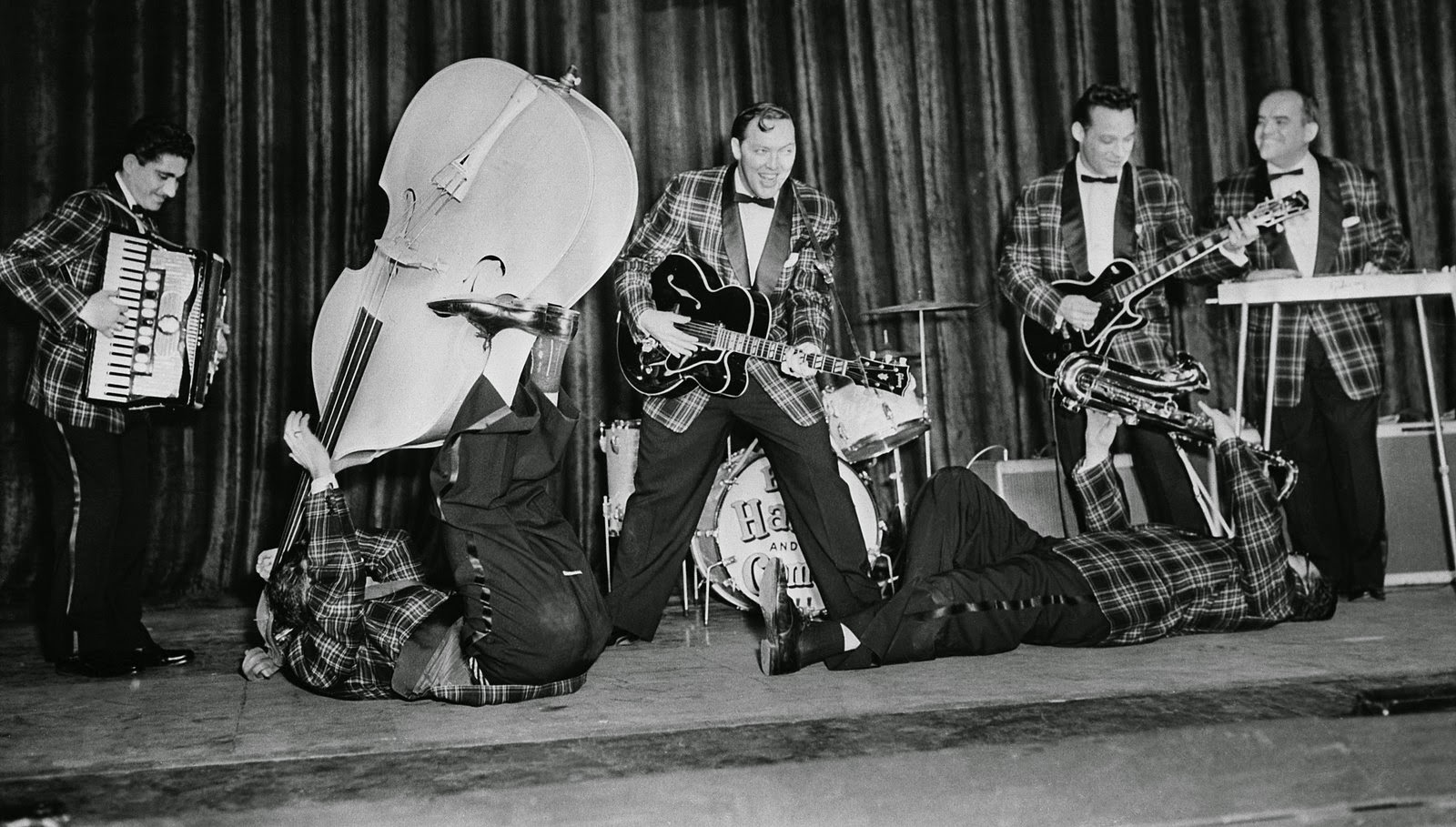 http://www.rhombusmag.com/2011/05/04/the-history-of-rock-n-roll-in-25-songs-bill-haley-and-the-comets-rock-around-the-clock/