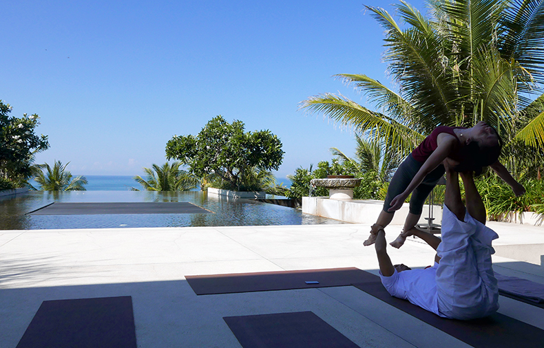 Euriental | fashion & luxury travel | Alila Soori yoga in lobby, Bali