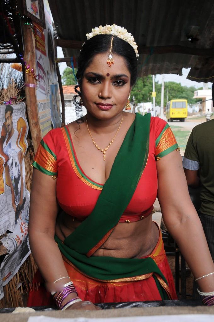 Entertainment Wall Hot Telugu Aunty Jayavani Round Navel -3586