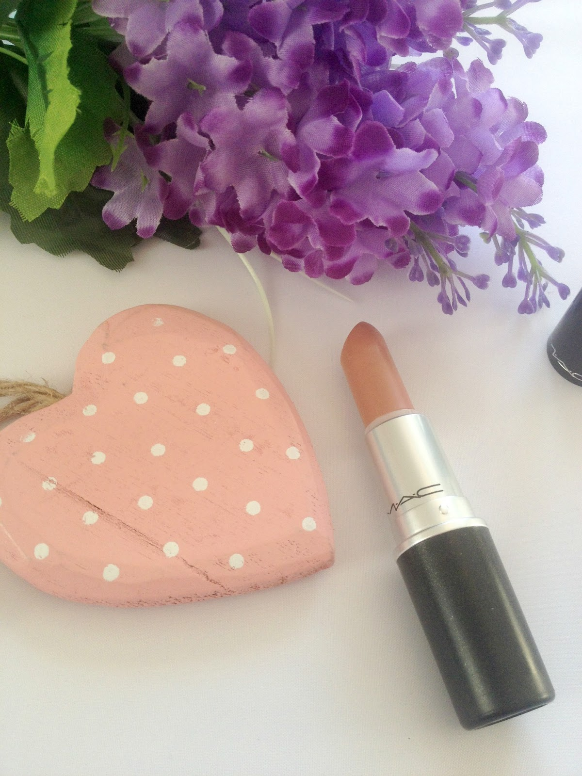 MAC Honeylove Lipstick