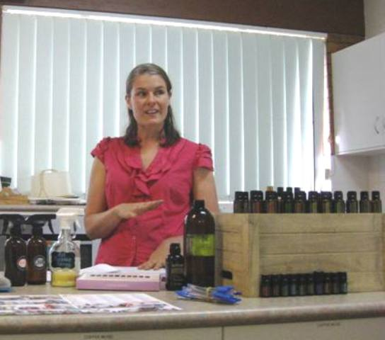 Simple Living Toowoomba Workshop ~ DIY Cleaning/Personal Products ~ 4th April