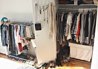 Materi 'Clothes' (Pakaian) beserta Contoh Kalimat dan Soal Latihannya