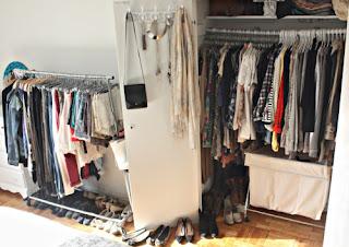 beserta Contoh Kalimat dan Soal Latihannya Materi 'Clothes' (Pakaian) beserta Contoh Kalimat dan Soal Latihannya