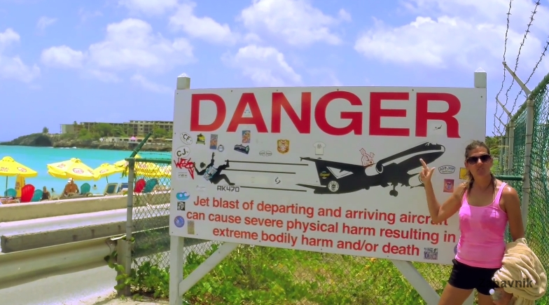 Sint Maarten airport landing & Girls top blown away on ...