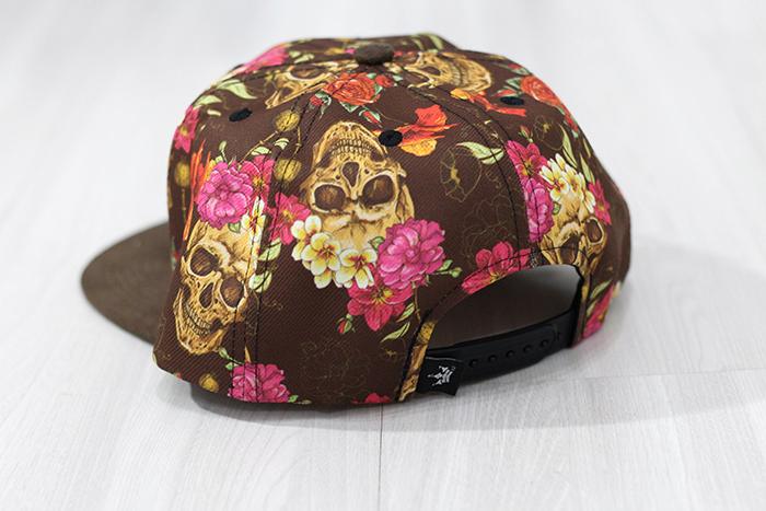 Boné Snapback Hoshwear Estampado com Aba em Camurça - Clique AQUI para  conhecer a marca. Estado  Novo Tamanho  Regulável Preço  R 30 + frete 89eed134c6b