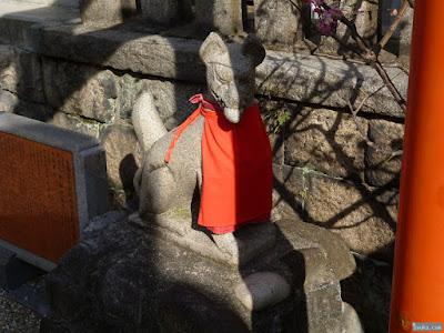 小女郎稲荷社狛犬