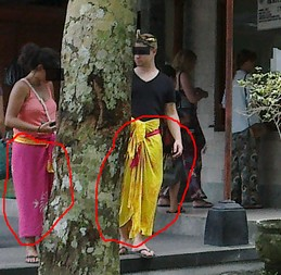 Use sarong when entering the temple in Bali