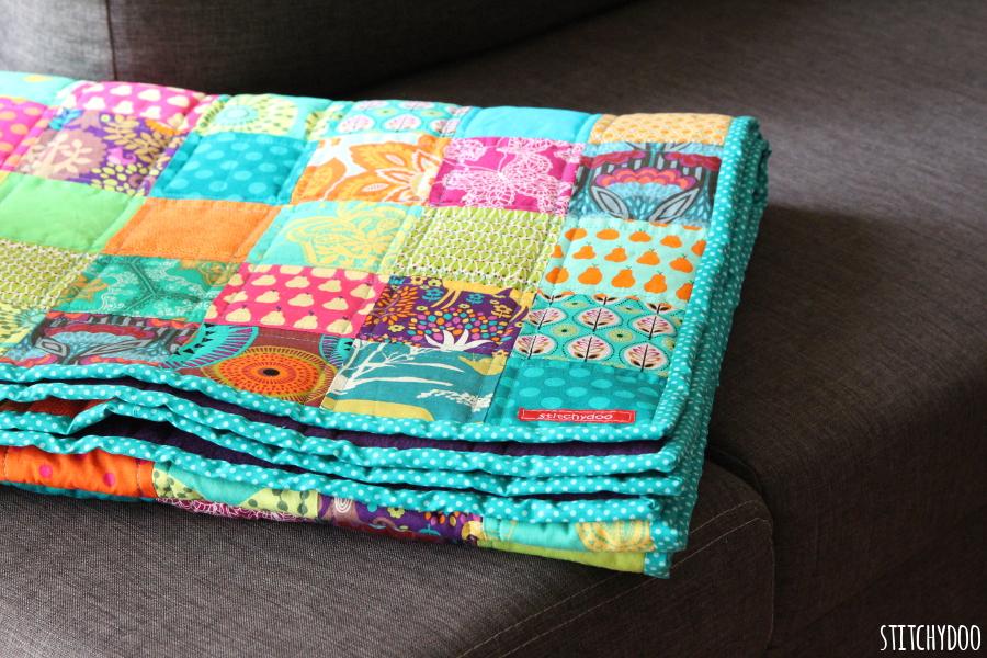 stitchydoo: Ein Jahr - Ein Quilt | Mein kunterbunter 365 Tage Quilt ist fertig!
