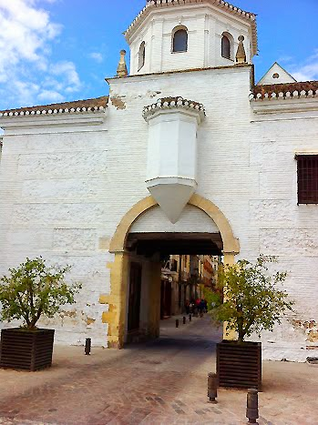 Cycling around Granada and visit the original Sante Fe