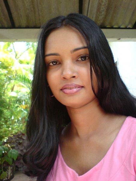 Sri lankan girls pics