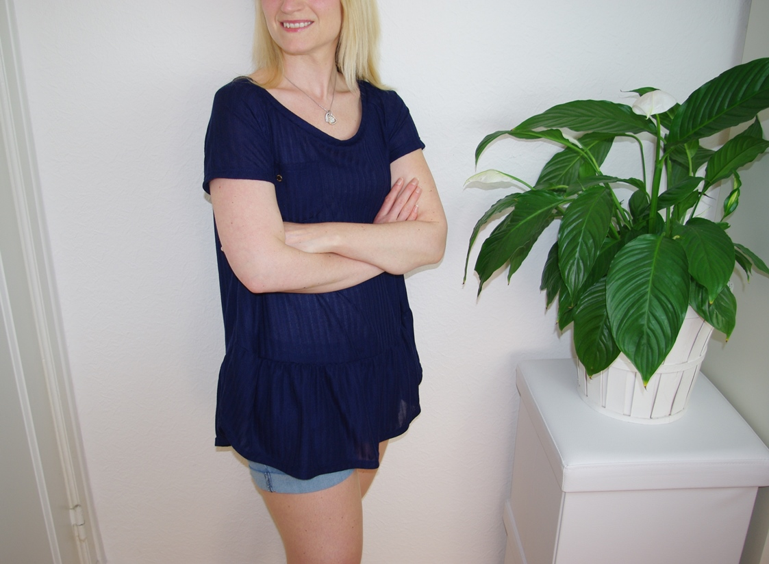 selbst genähtes Waterfall Raglan Shirt in Blau Schnittmuster für Frauen von Chalk & Notch  für 12 Colours of Handmade Fashion