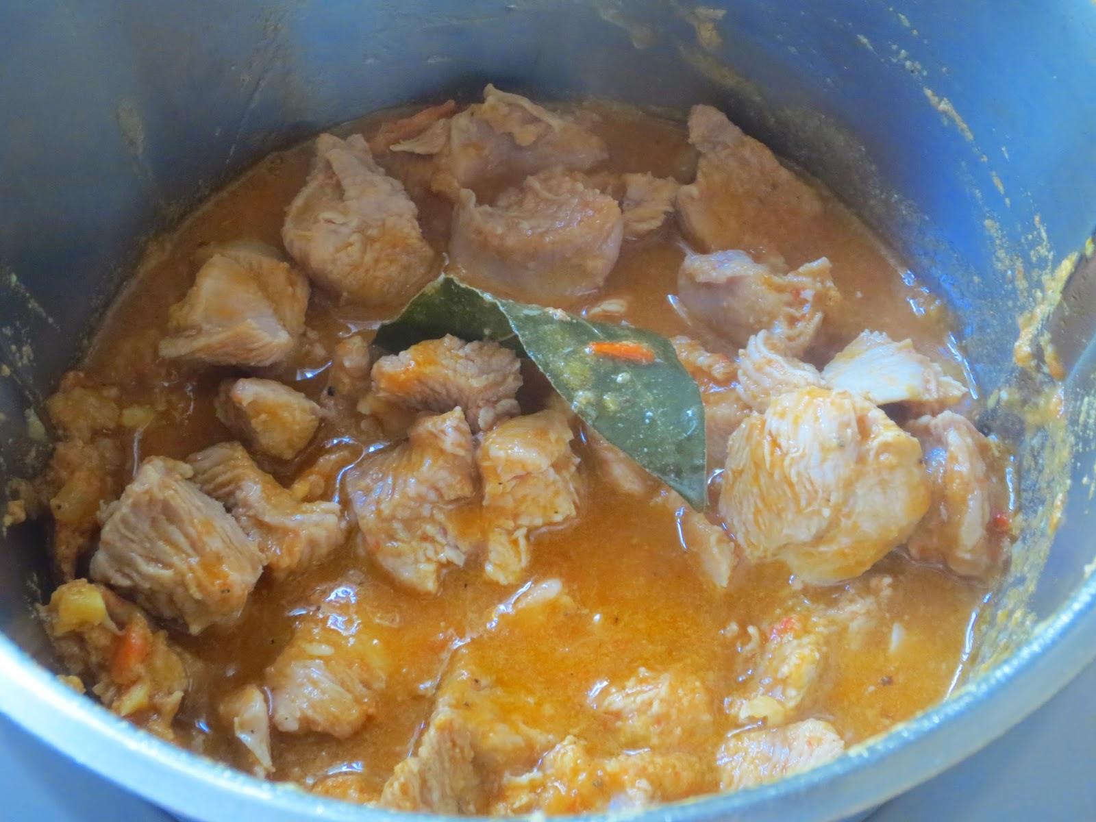 Pavo guisado en salsa de verduras Thermomix
