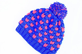 Imagen Gorro de navidad original a crochet azul y rojo 2