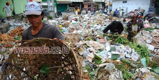 sampah wol photo Kok Medan seperti ini bisa dapat Piala Adipura?
