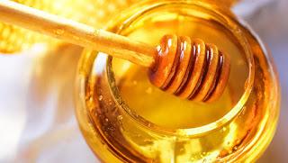 فوائد العسل لبشرتك