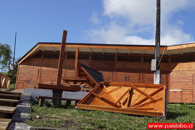 Locales turísticos sufren daños en costanera de Entre Lagos