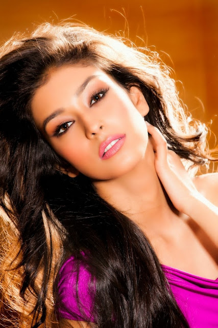 navneet kaur dhillon hot images, hot navneet kaur dahillon, sizzling navneet kaur,hot pics-navneet kaur dhillon, hot wallpapers of navneet kaur,