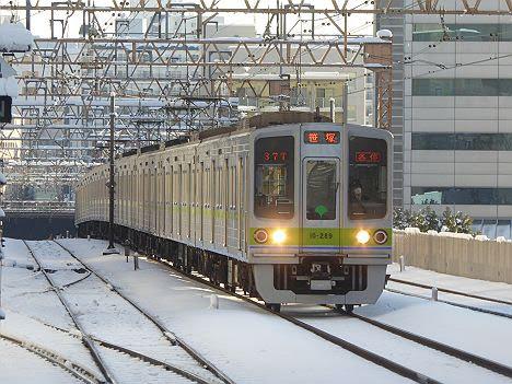 都営新宿線 京王線直通 各停 笹塚行き 都営10-000形200F