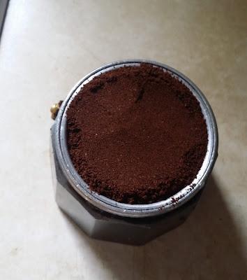 Πως να απολαύσετε ένα αυθεντικό Ιταλικό καφέ με μπρίκι espresso 3