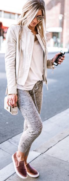 Outfits Club: Street Style Fashion - 50 Outfit Inspiration To Try When You Truly Hate Your Closet