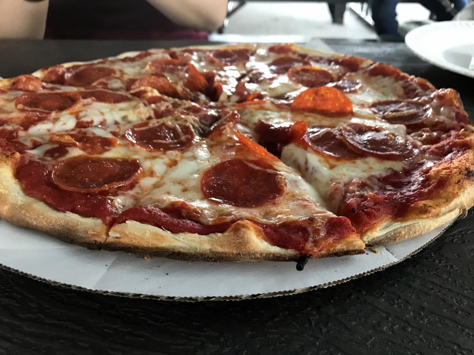 Pizza Quixote: Review: Luigi\'s Pizzeria, Houston TX