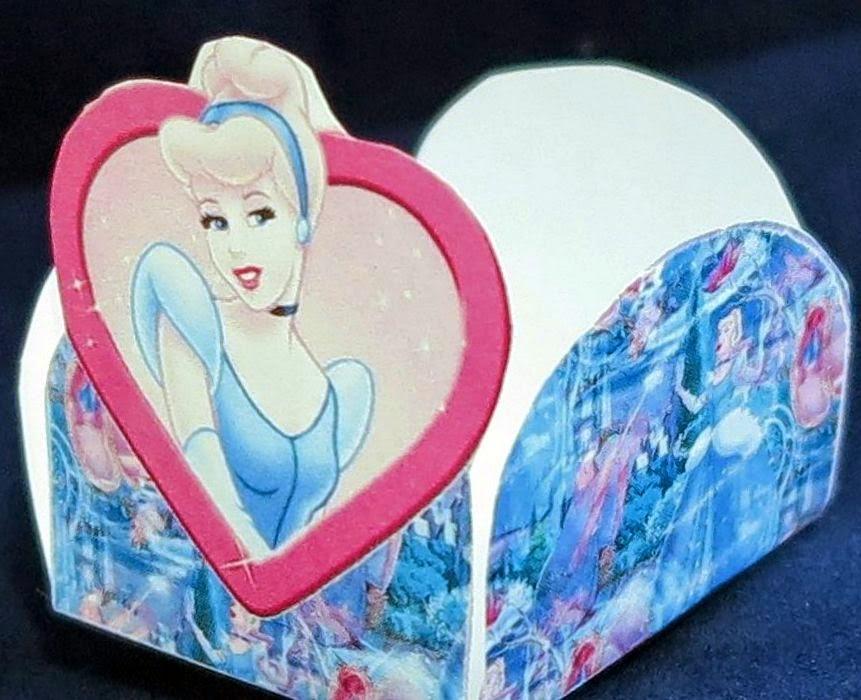 Free Printable Open Boxes for Disney Princess Party.