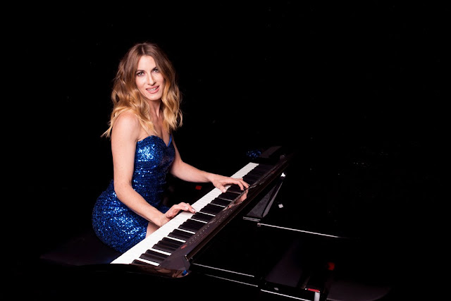 YAEL with piano (credit Steve Castings)