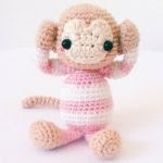 http://jenniferwangbears.com/year-of-the-monkey-free-pattern/