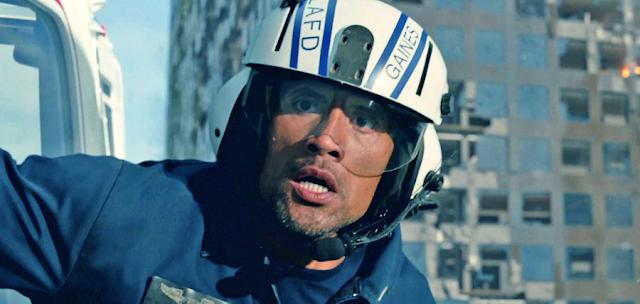 Dwayne Johnson încearcă să îşi salveze familia în filmul San Andreas