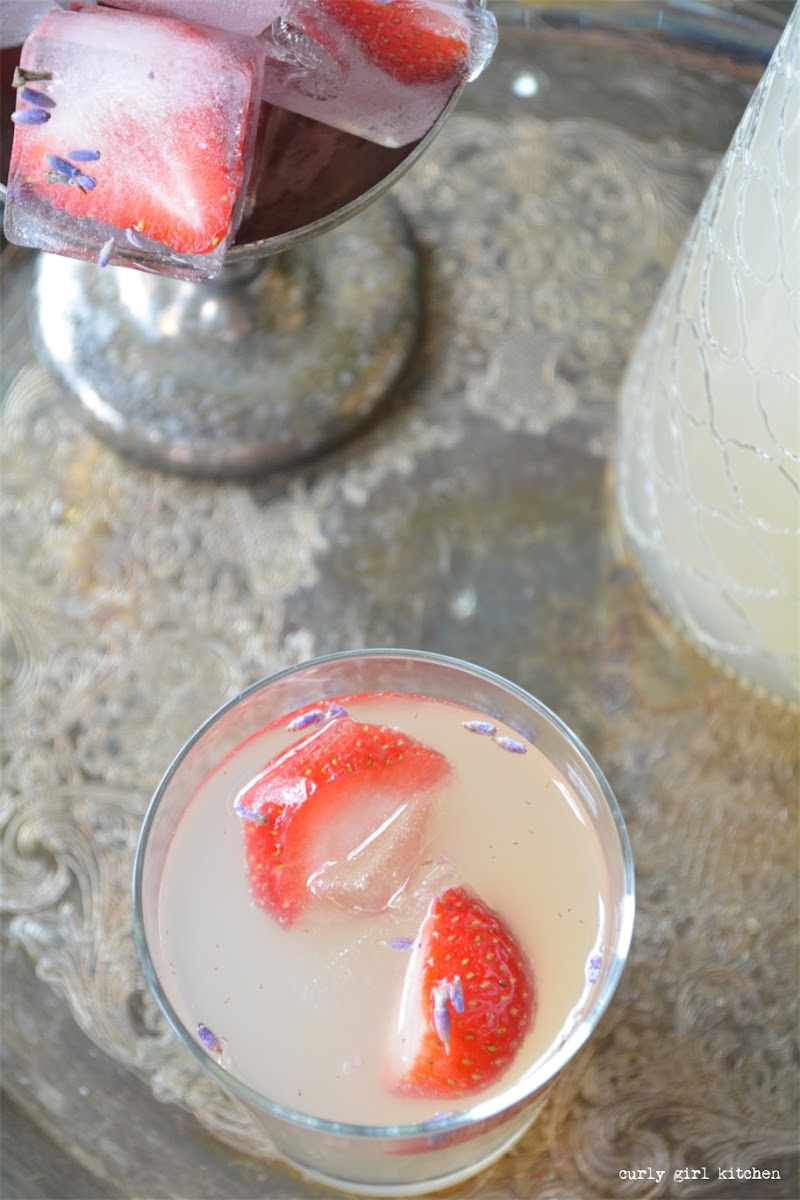 Fizzy Lavender Lemonade with Ginger Ale and Strawberry Ice Cubes
