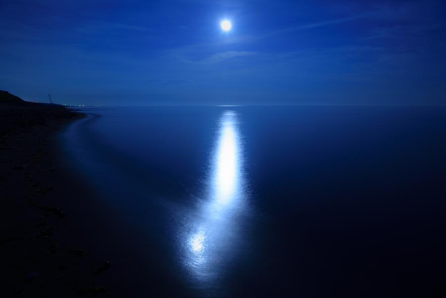 月の足跡 月光写真