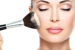 Maquillaje Como Causa del Acne