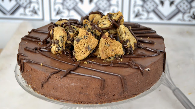 Tarta mousse de chocolate con cookies