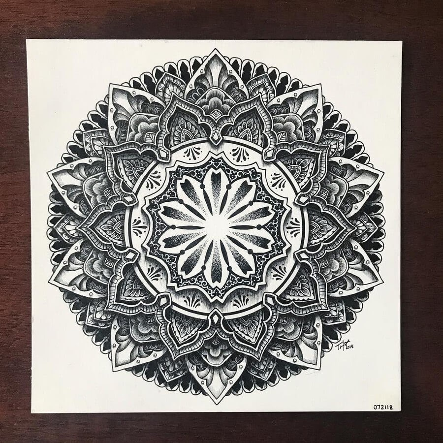 02-Tyler-Hays-Mandala-Drawings-www-designstack-co