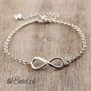https://www.thebead.ch/product_info.php?info=p1867_infinity-silberarmband-mit-herz-gravur-charm-anhaenger.html