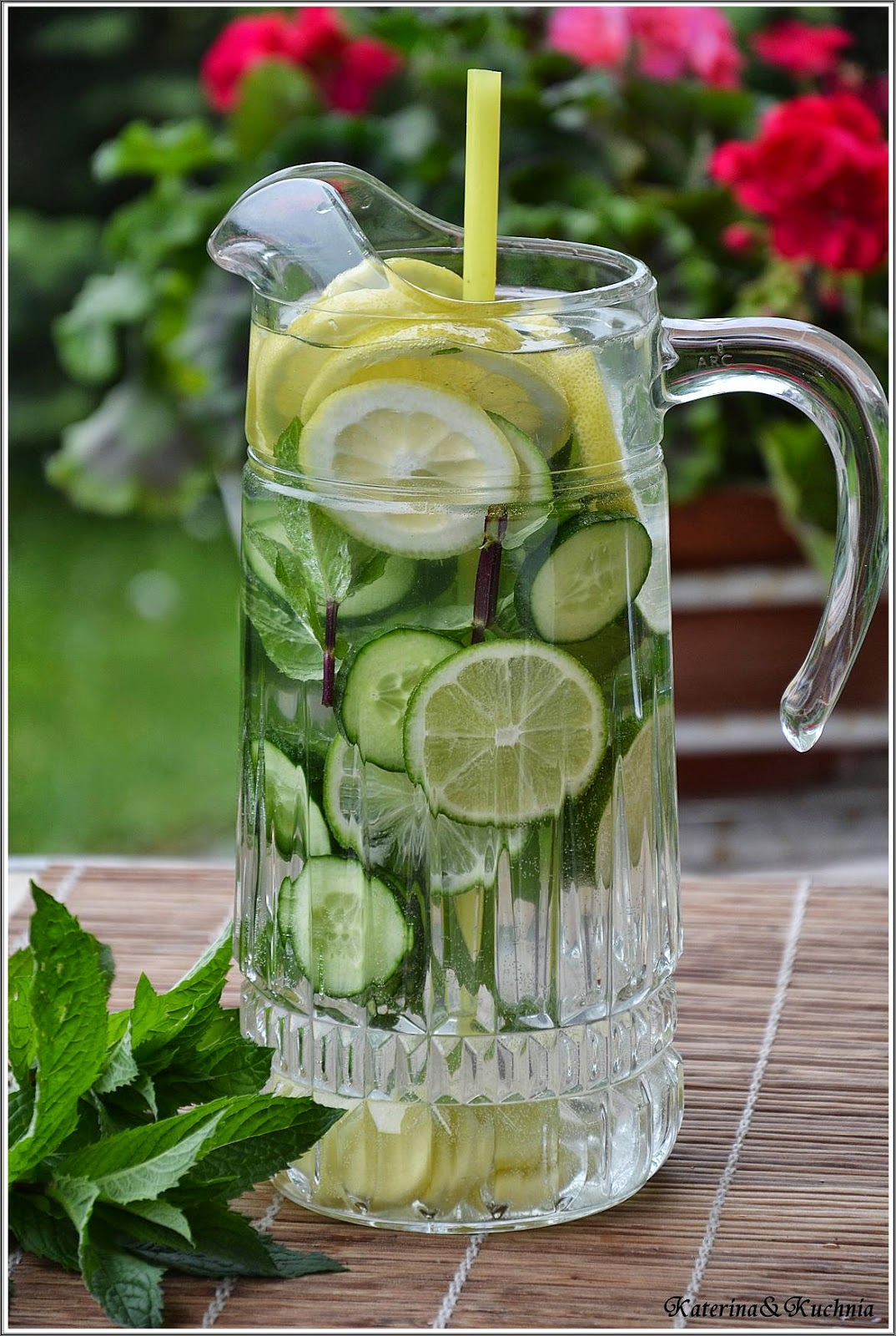 Woda i cytryna jak schudnąć-przepis