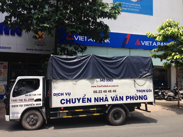 CAN-THUE-XE-TAI-2-DEN-5-TAN-VAN-CHUYEN-HANG-HOA-TAI-TPHCM