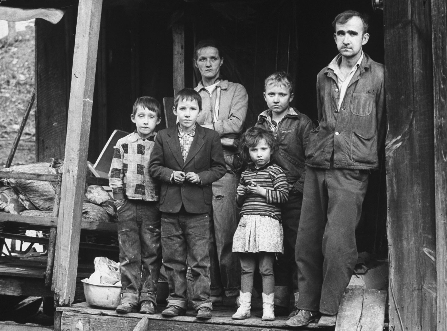 appalachian poverty essay Essay about appalachia culture 1522 words 7 pages many people have different views on what appalachia is, i grew up thinking that appalachia meant people were dirty, poor, illiterate, inbreed and we also called them mountain people.