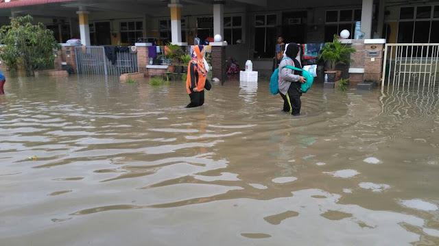 banjir besar Pulau Pinang, Banjir besar kedah, mangsa banjir, SPM semasa banjir, peperiksaan Sijil Pelajaran Malaysia