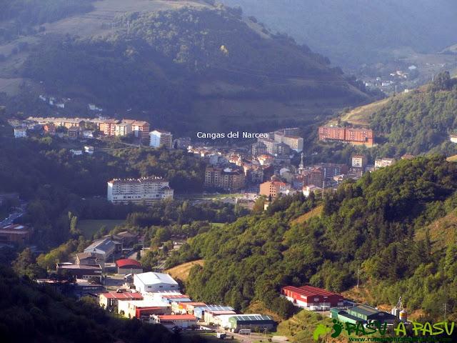 Cangas del Narcea desde el Mirador del Castillo de Piñolo
