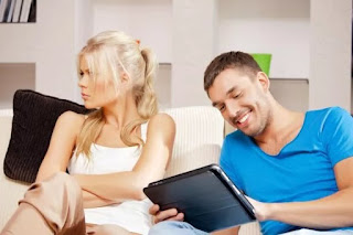 муж жена ревность обида соцсети