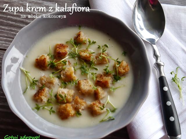 Zupa krem z kalafiora na mleku kokosowym z grzankami i rzeżuchą - Czytaj więcej »
