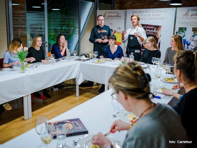 z milosci do smaku, warsztaty kulinarne, blogerzy kulinarni, gotowanie, studio kulinarne, smak kariery, carrefour, ksiazka kulinarna, kuchnia francuska, blogerzy gotuja,, spotkanie w kuchni, konkurs kulinarny, relacja z warsztatow, recenzja, przy wspolnym stole, blogerzy razem