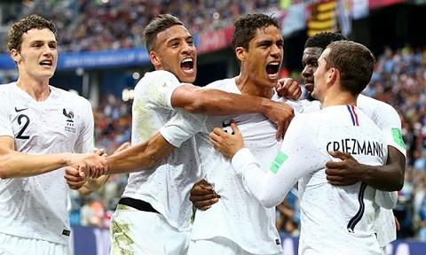 Varane cùng đồng đội có trận đấu tuyệt vời trên đất Nga