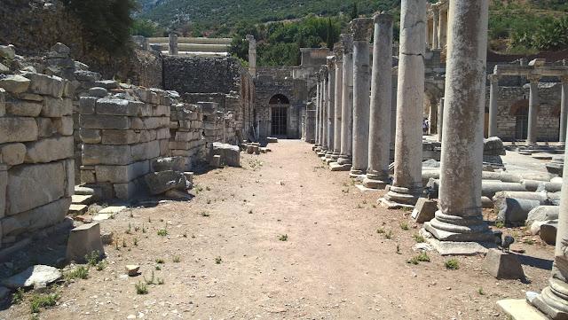 Efes Antik Kenti Domitian Tapınağı